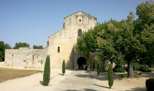 ND_de_Nazareth_a_Vaison_la_romaine_by_JM_Rosier-300x179