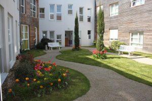 residence_les_patios_de_l_yerres_combs_la_ville_patios_interieur_175049726-300x200